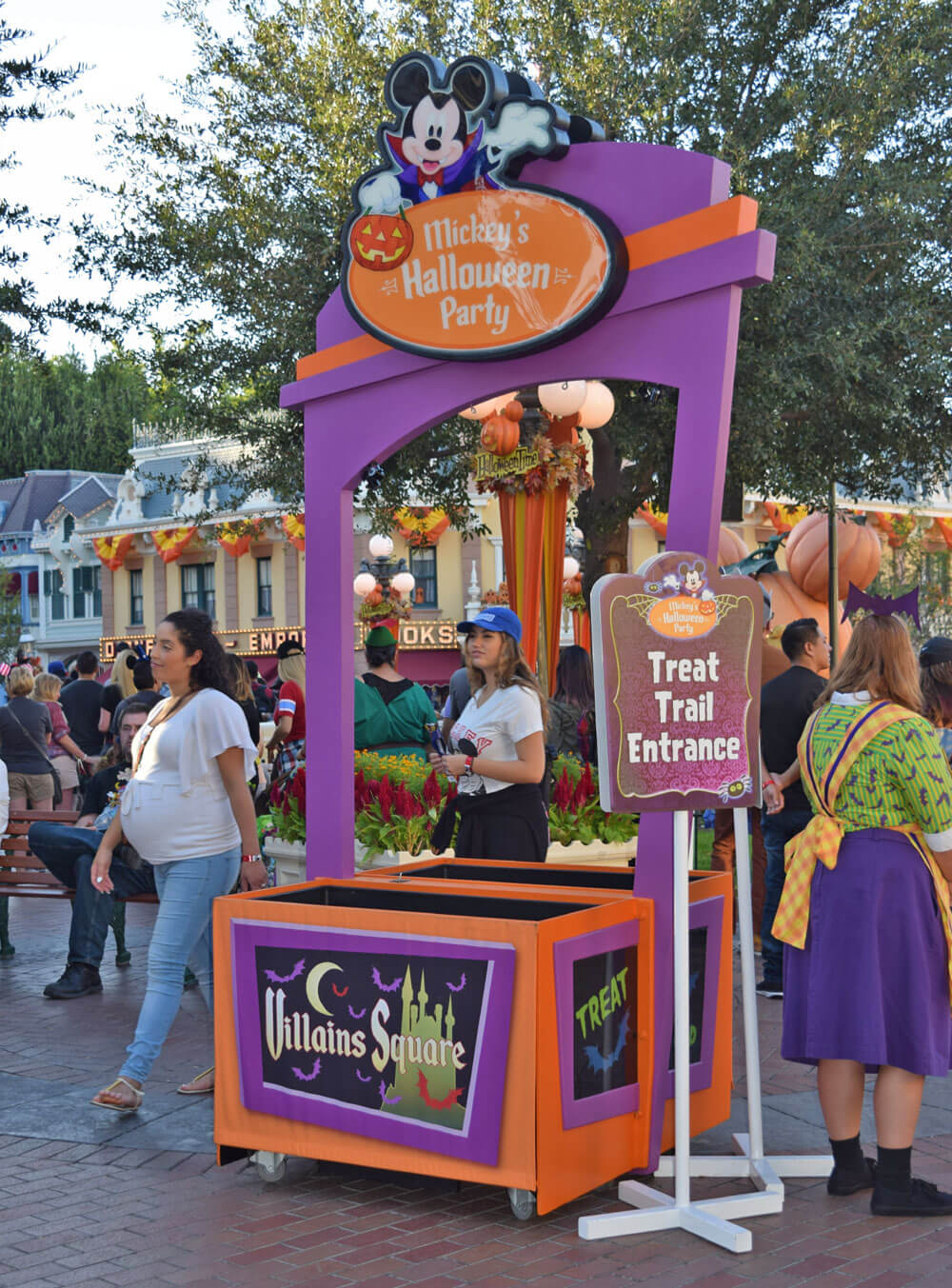 Guide to Disneyland Halloween Time 2017