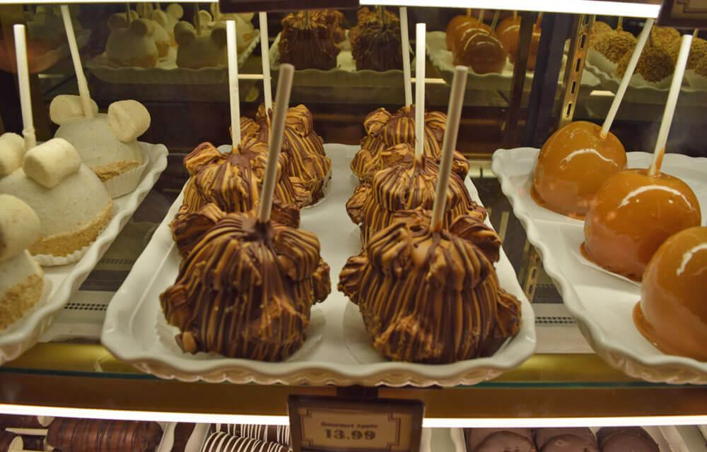 Disneyland Caramel Apple - Gourmet Apple of the Month
