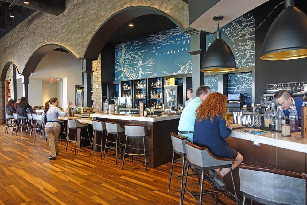 Loews Sapphire Falls Resort at Universal Orlando - Strong Water Tavern