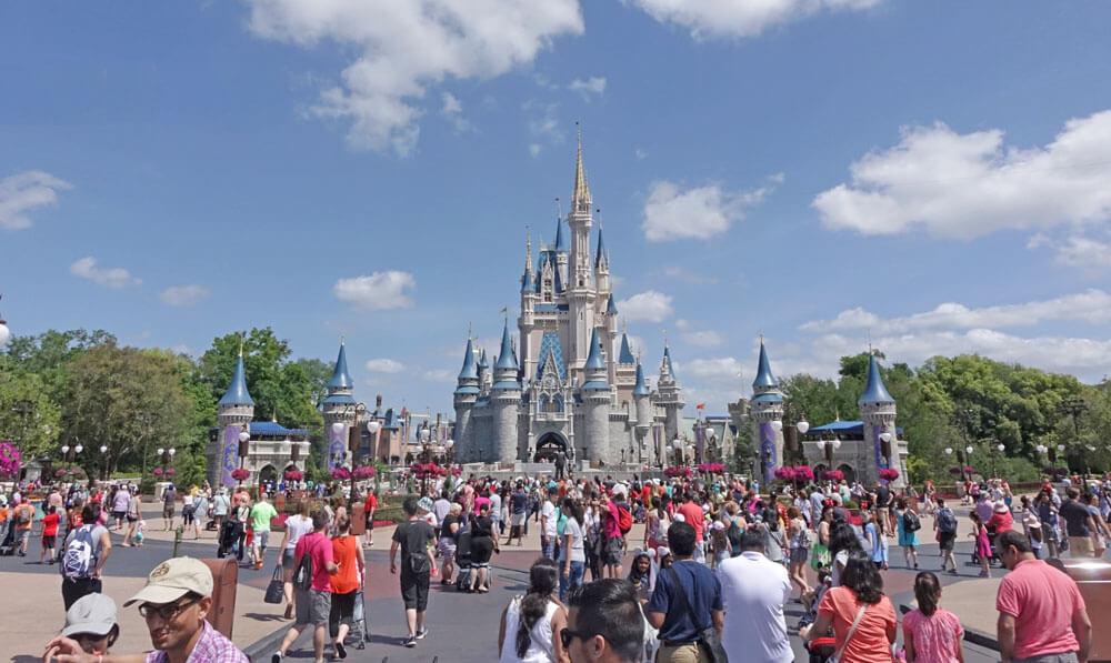 Holidays at the Disneyland Resort - Crowds at Cinderella Castle