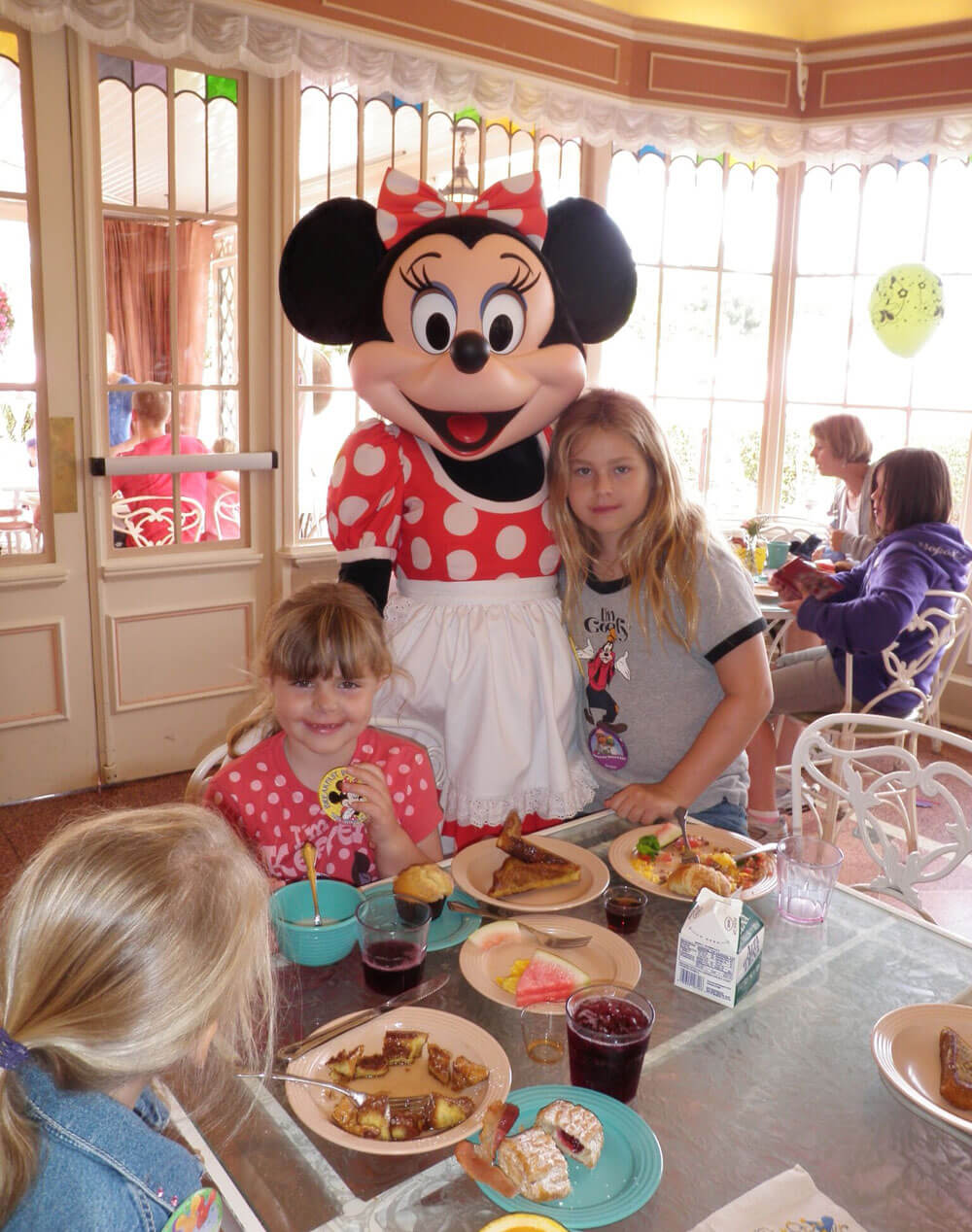 Breakfast at Disneyland - Minnie Character Breakfast at Plaza Inn