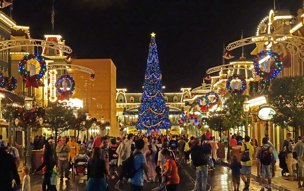 managing disney world holiday crowds magic kingdom - Disneyworld Christmas