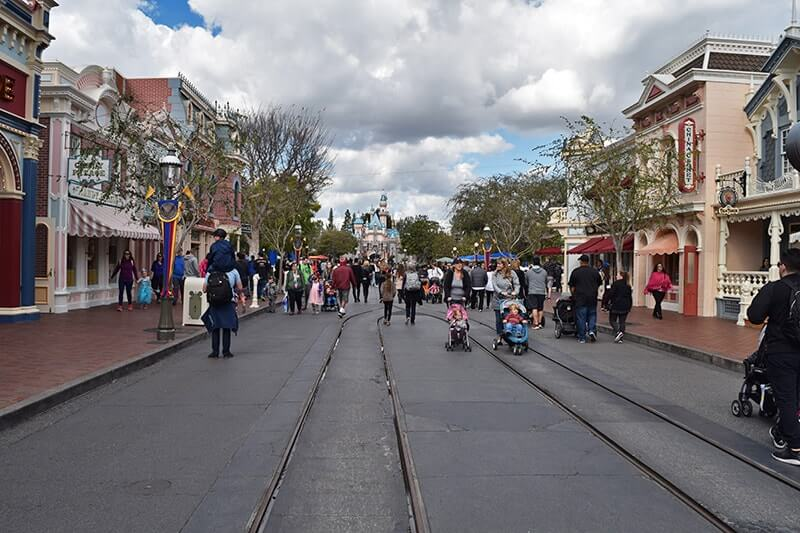 Disneyland Magic Morning - When to Use and When to Avoid