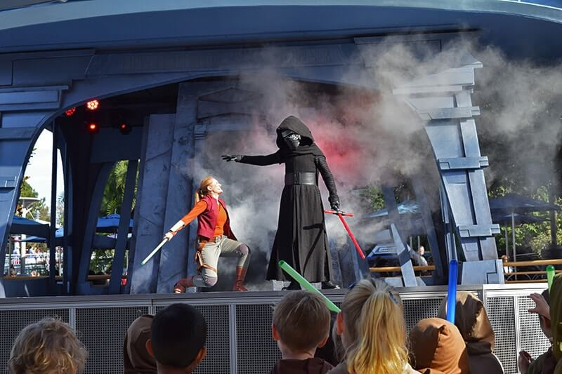 Disneyland Extra Magic Hour - When to Use and When to Avoid - Jedi Training