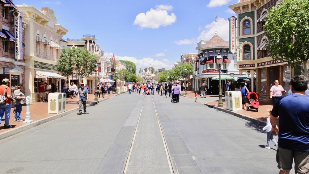Best Time to Visit Disneyland in 2017 & 2018 - Main Street USA