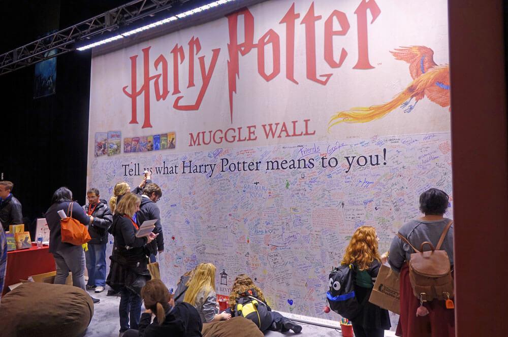 A Celebration of Harry Potter 2017 - Muggle Wall