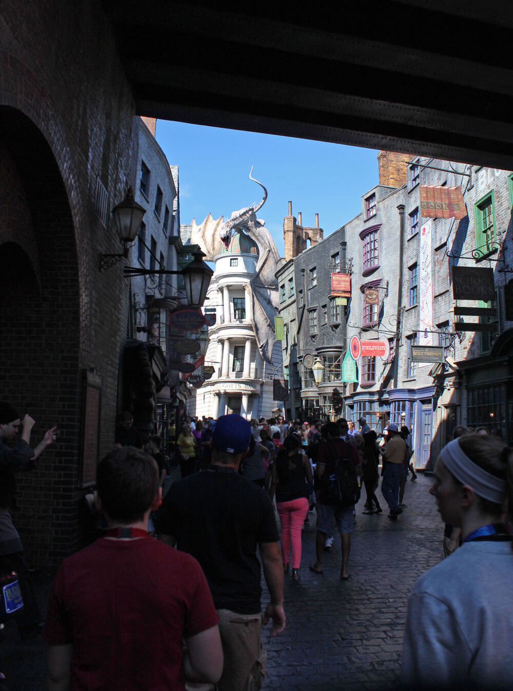 Best Time to Visit Universal Orlando in 2018 - Wizarding World - Diagon Alley