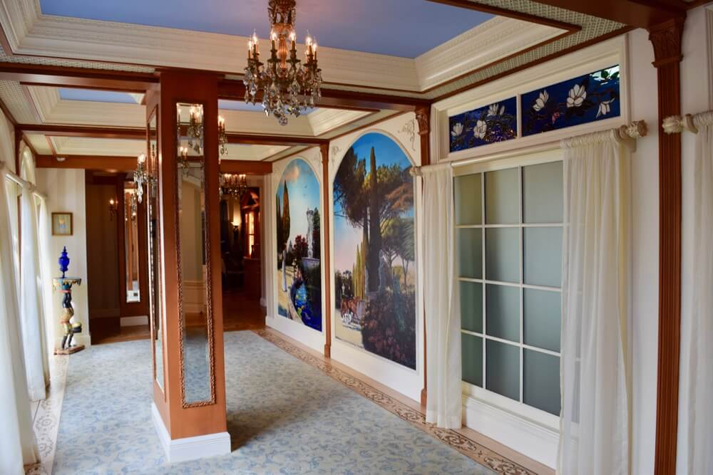 A Look Inside Disneyland Club 33 - Club 33 Hallway