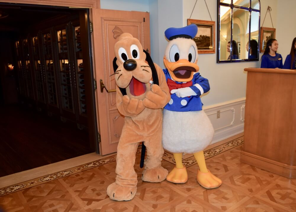 A Look Inside Disneyland Club 33 - Club 33 Pluto and Donald
