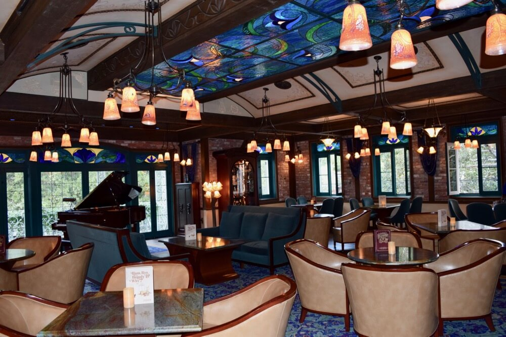 A Look Inside Disneyland Club 33 - Club 33 Lounge