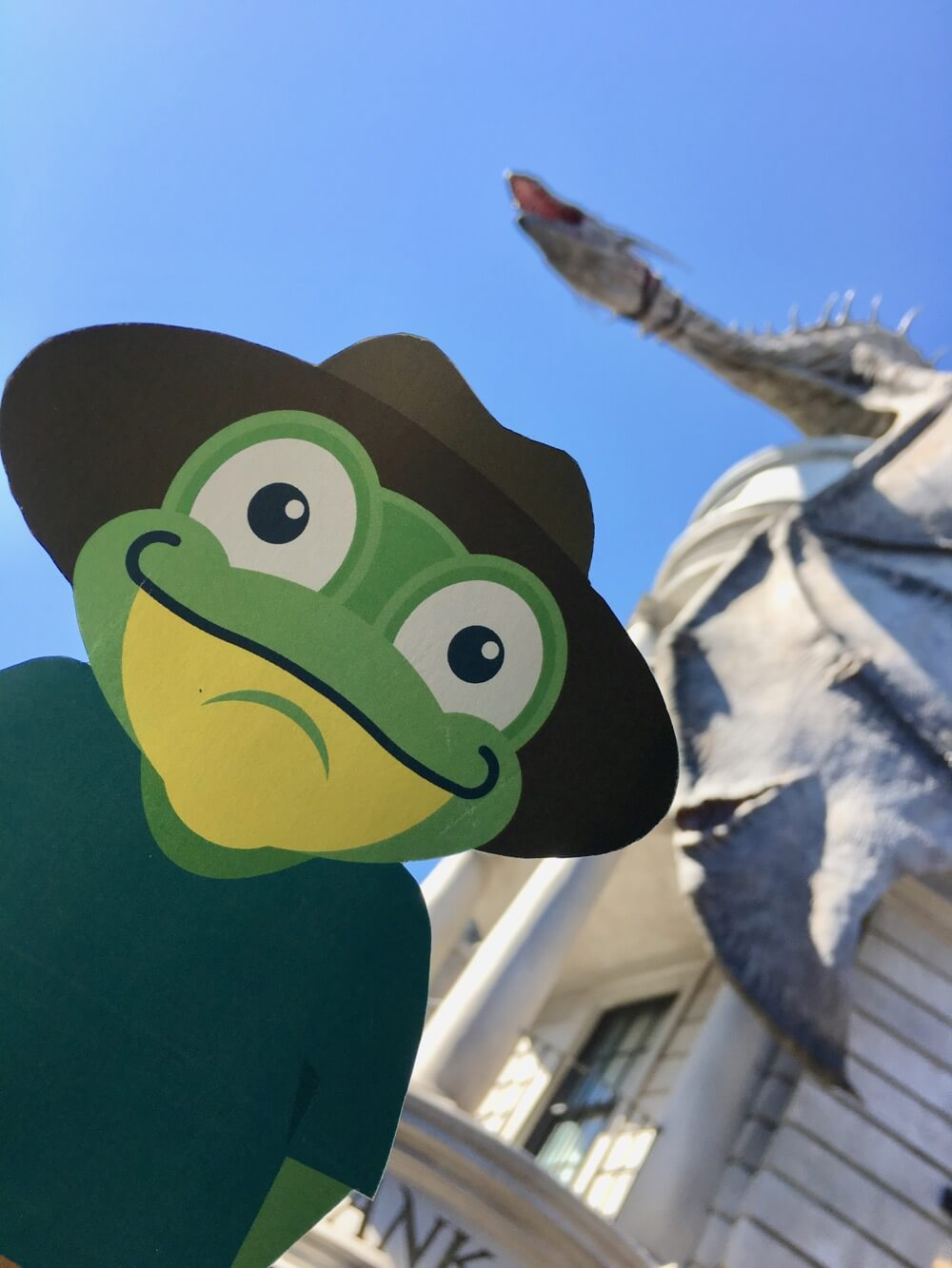 Best Selfie Spots at Universal Orlando - Dragon