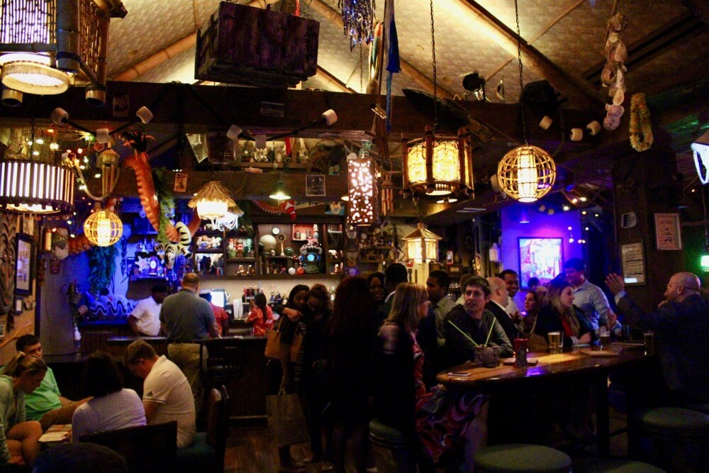 The 6 Best Bars and Lounges at Disney World - TraderSam's - Interior