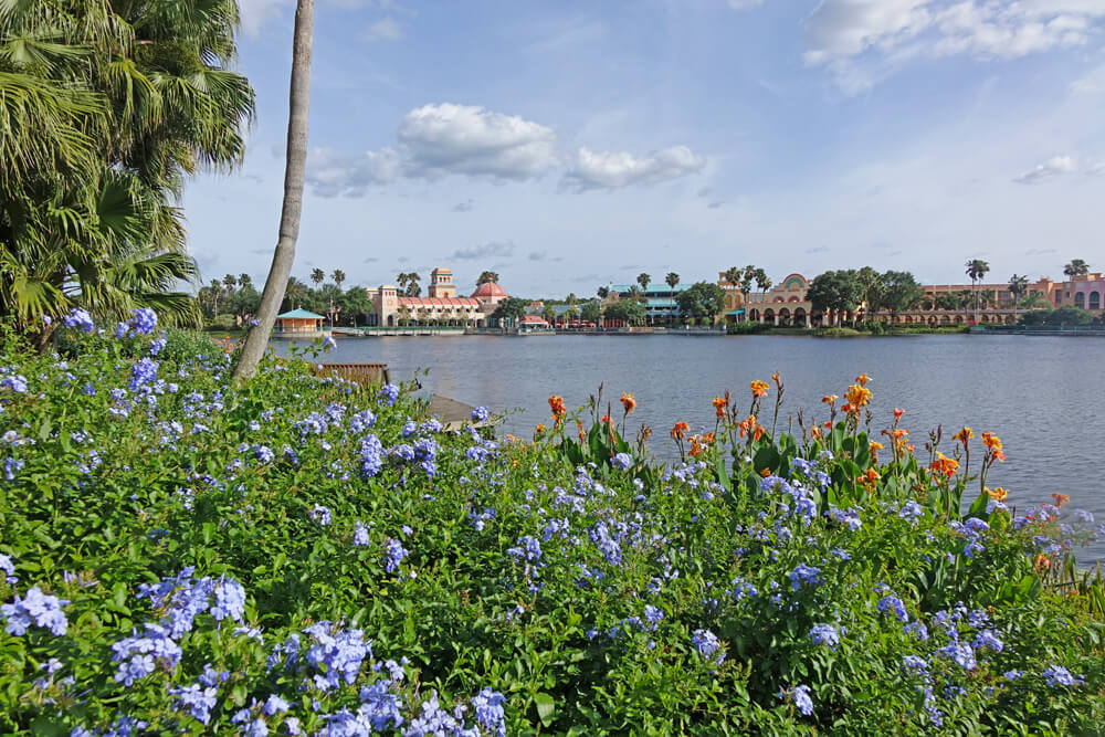 Disney Moderate Hotels - Disney's Coronado Springs