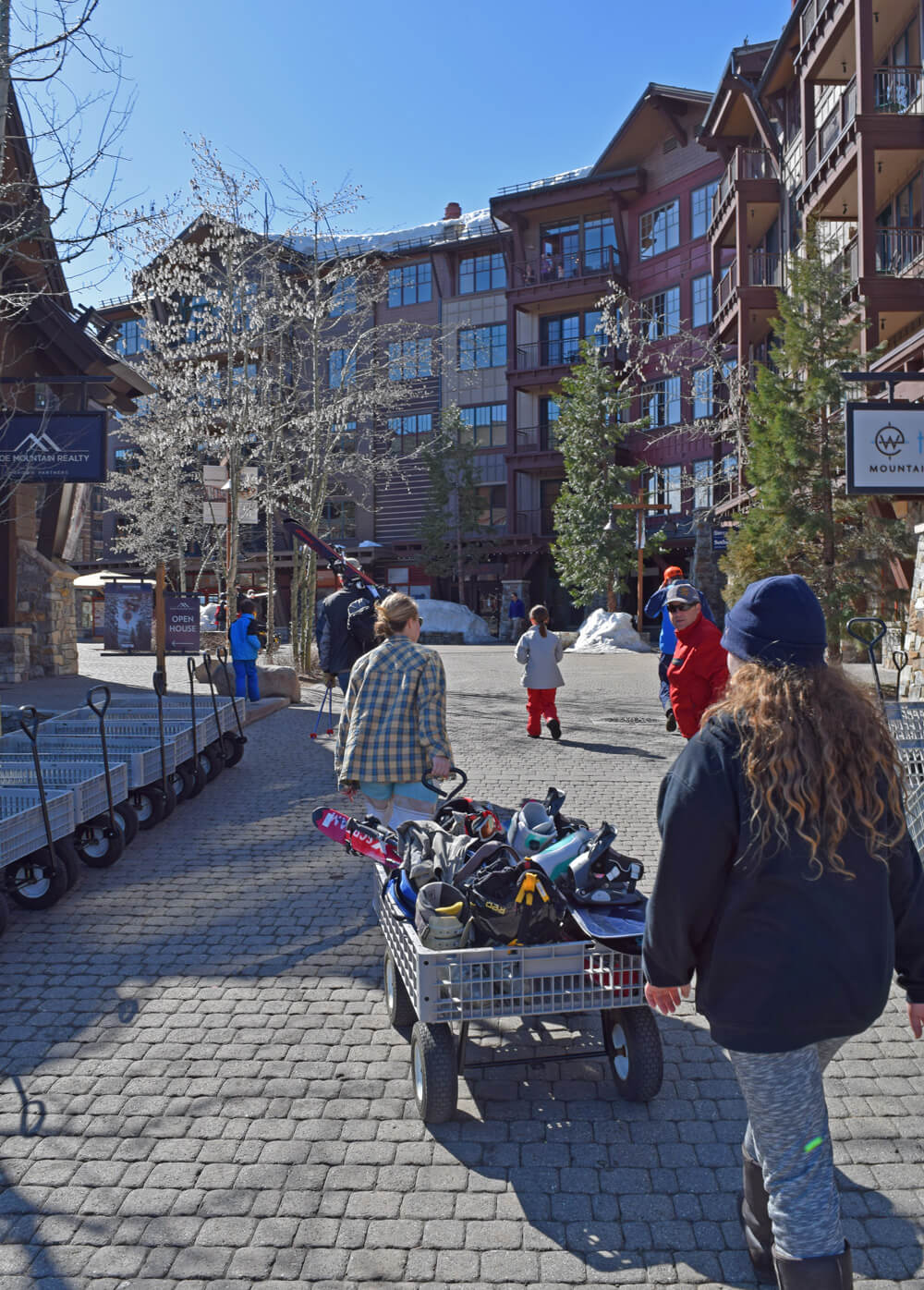 North Lake Tahoe Ski Resorts for Families - Northstar Wagons