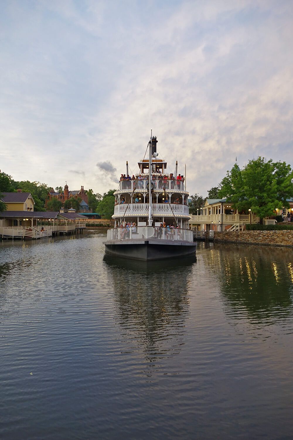 The Secret History of Disney Rides: Liberty Square Riverboat - Liberty Belle