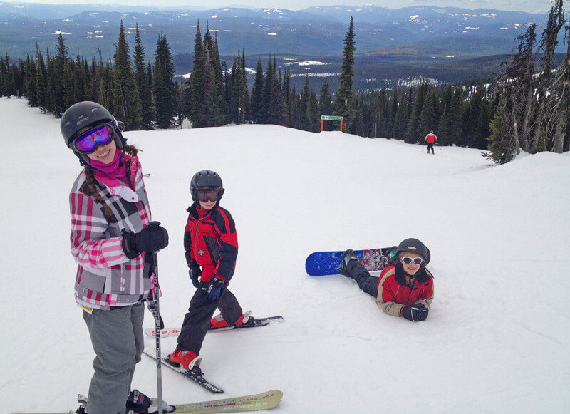 Family Ski Safety - Kids Playing