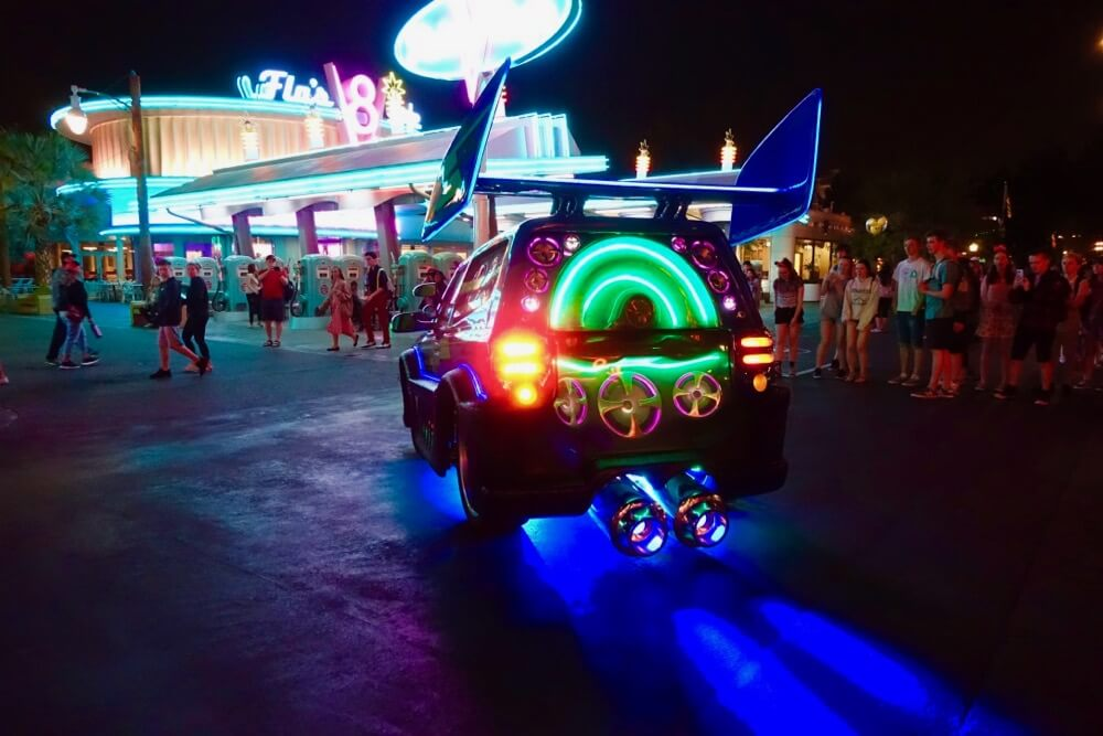 Maximize your time at Disneyland - DJ in Cars Land