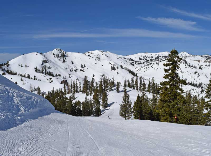 Best Tahoe Ski Resorts for Families - Squaw Valley Alpine Meadows