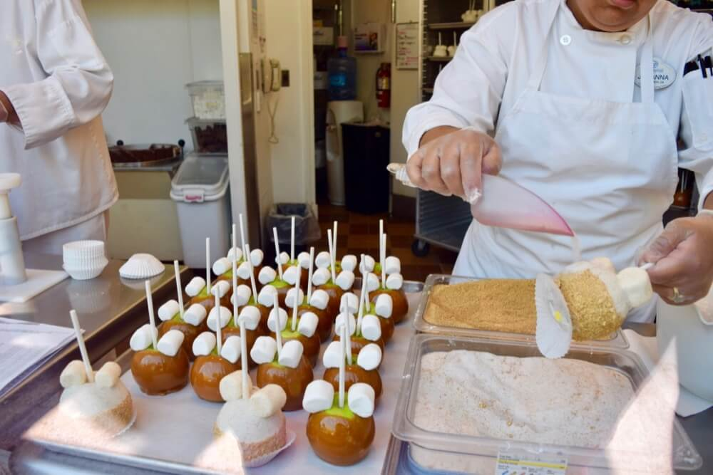 Best Disneyland Snacks - Caramel Apple