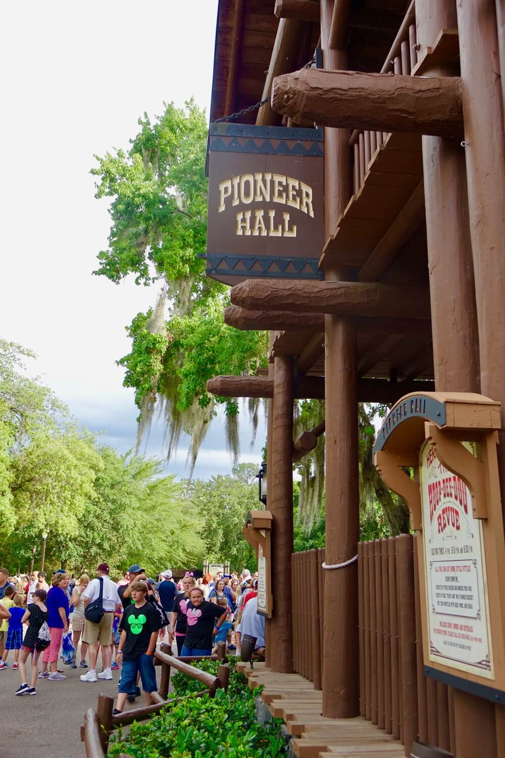 Fort Wilderness at Disney World - Ft. Wilderness Hoop De Doo Musical Review