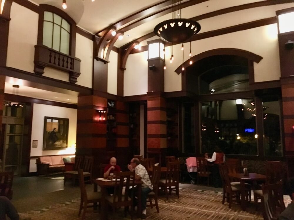 Best Bars and Lounges at Disneyland - Hearthstone lounge Interior