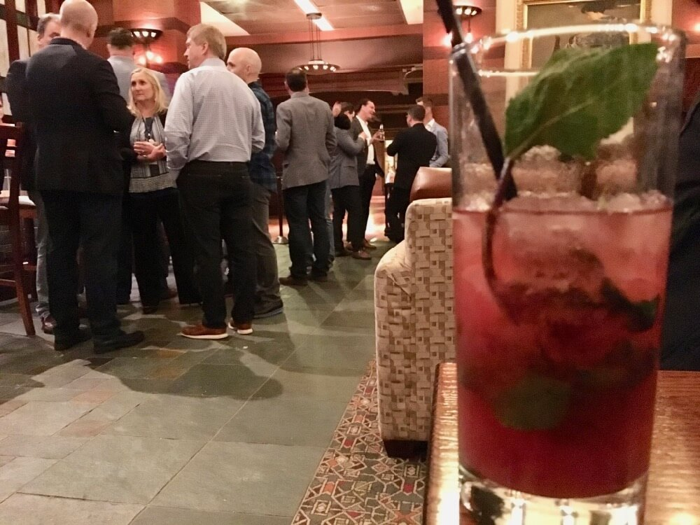 Best Bars and Lounges at Disneyland - Hearthstone lounge Vojito