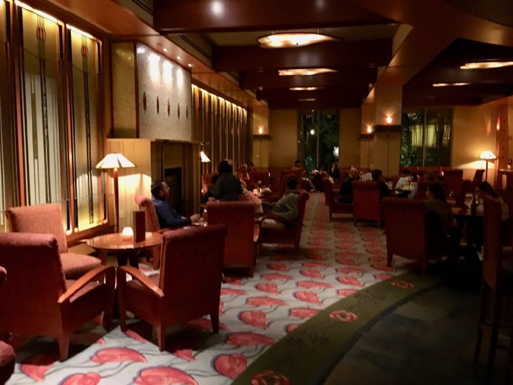 Best Bars and Lounges at Disneyland - Napa Rose Lounge - Interior
