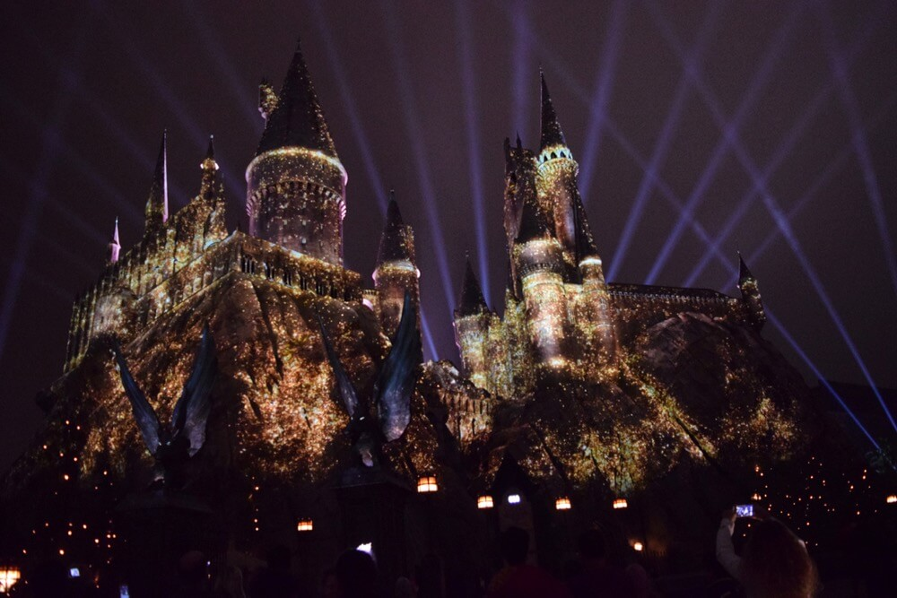 Nighttime Lights at Hogwarts Castle - Show Finale