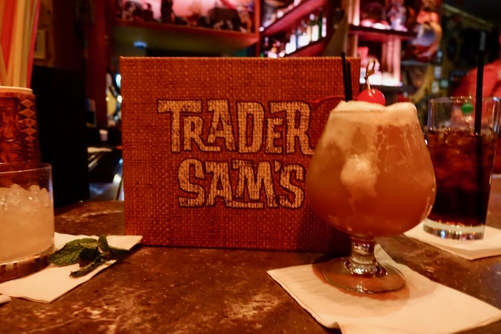 Best Bars and Lounges at Disneyland - Trader Sam's - Kungaloosh
