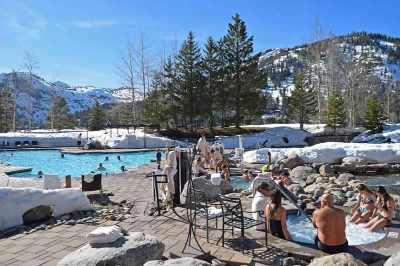 Apres-Ski with Kids - Hit the Pool