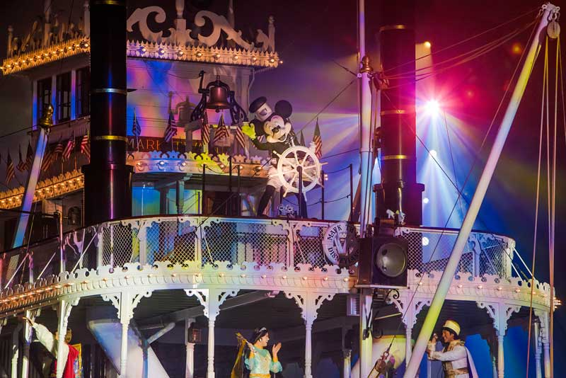 Fantastic Tips for Viewing Disneyland Fantasmic!