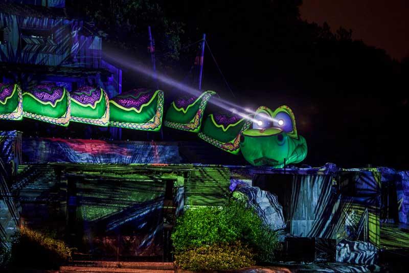 Disneyland Fantasmic! - Snake