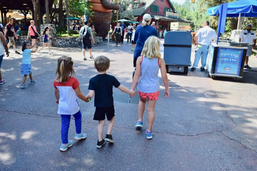 How to Avoid Losing a Child at Disneyland - Disneyland Holding Hands Buddy