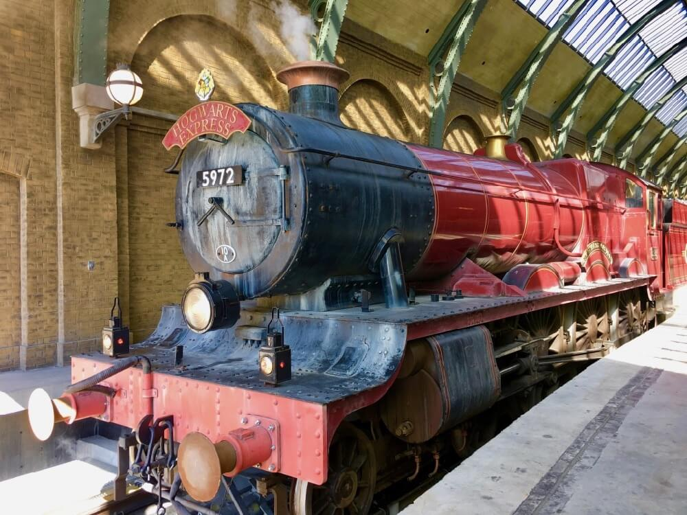 Best Orlando Theme Parks by Age Group - Hogwarts Express