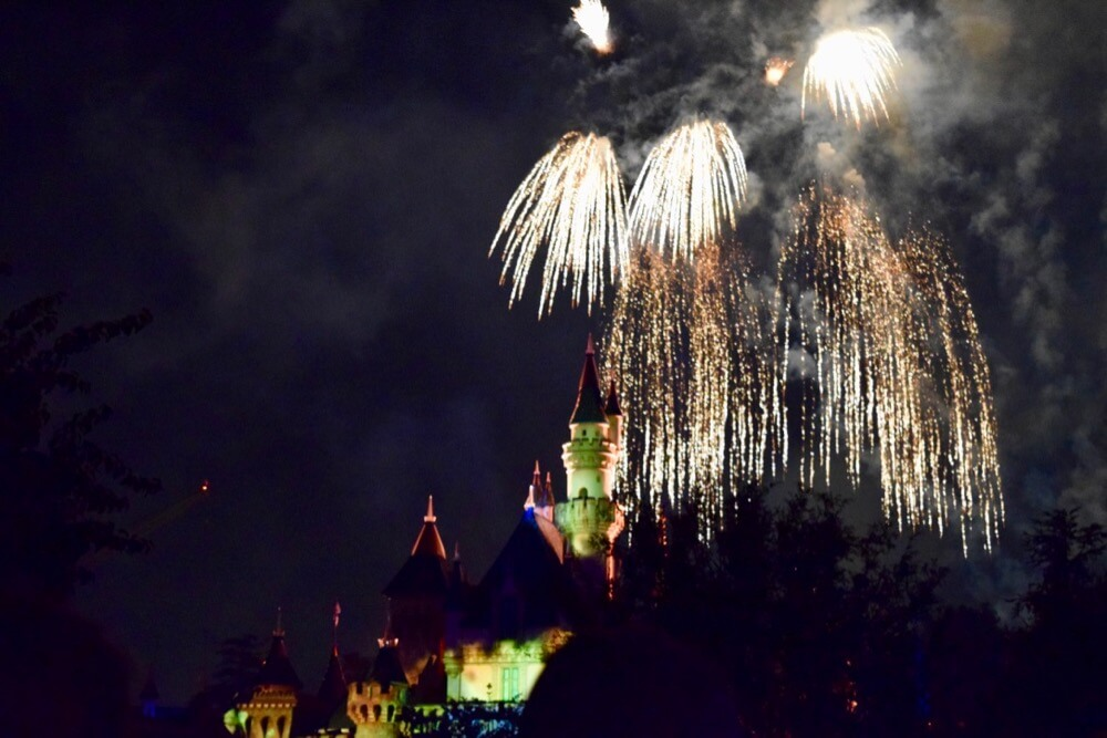 Best Places to View Disneyland Fireworks - Fireworks over castle
