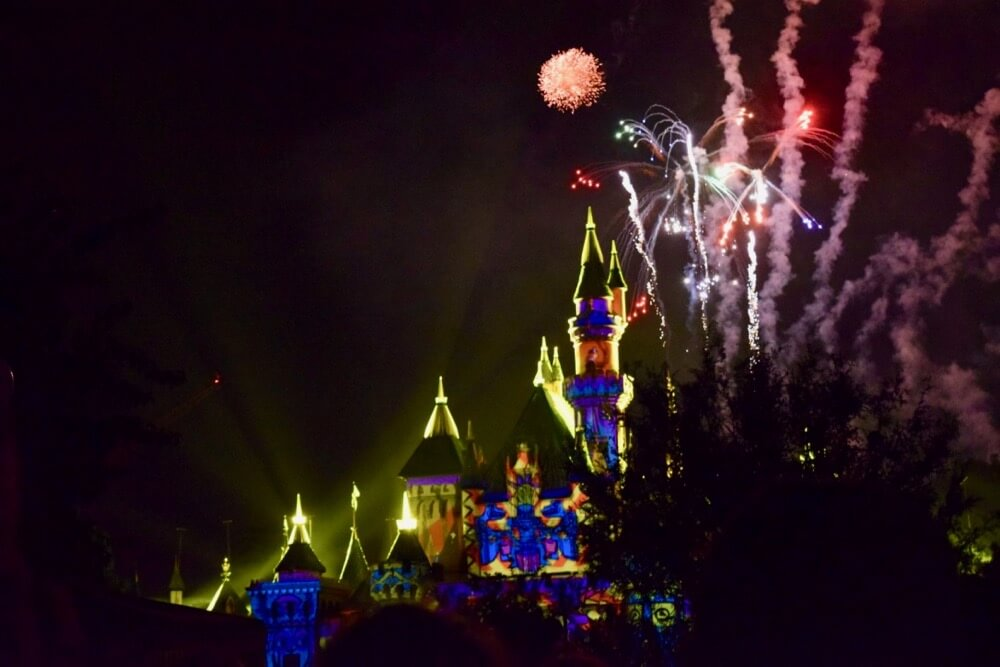 Best Places to View Disneyland Fireworks - Projections on Castle and Fireworks