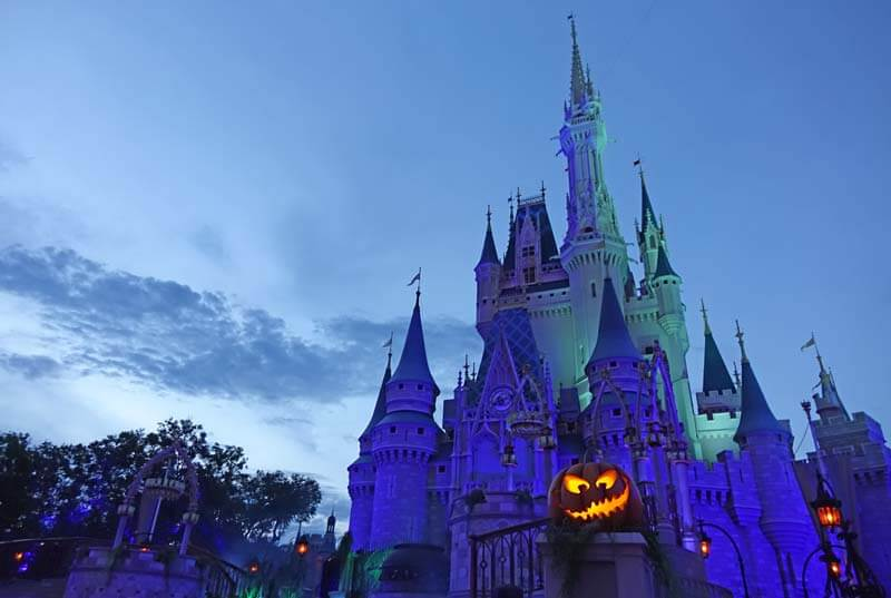 Mickey's Not So Scary Halloween Party 2018 - Cinderella Castle