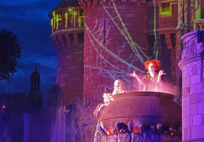 Mickey's Not So Scary Halloween Party 2018 - Hocus Pocus Villain Spelltacular