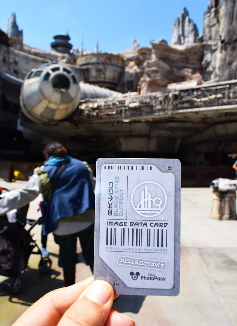 How to Use Disneyland PhotoPass to Make Magical Memories - PhotoPass card in SWGE