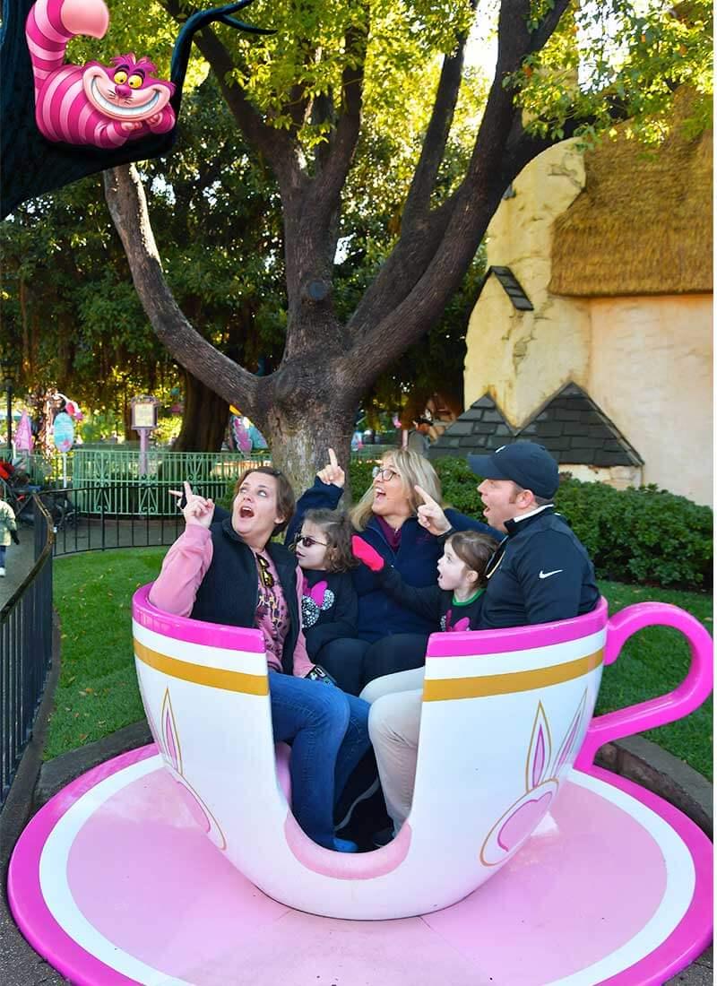 How to Use Disneyland PhotoPass to Make Magical Memories - Magic Shot of the Cheshire Cat