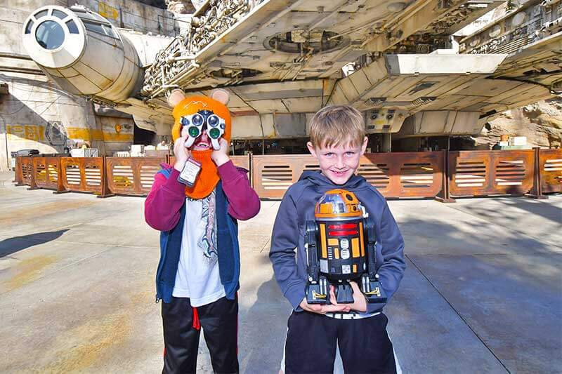 How to Use Disneyland PhotoPass to Make Magical Memories - Millennium Falcon
