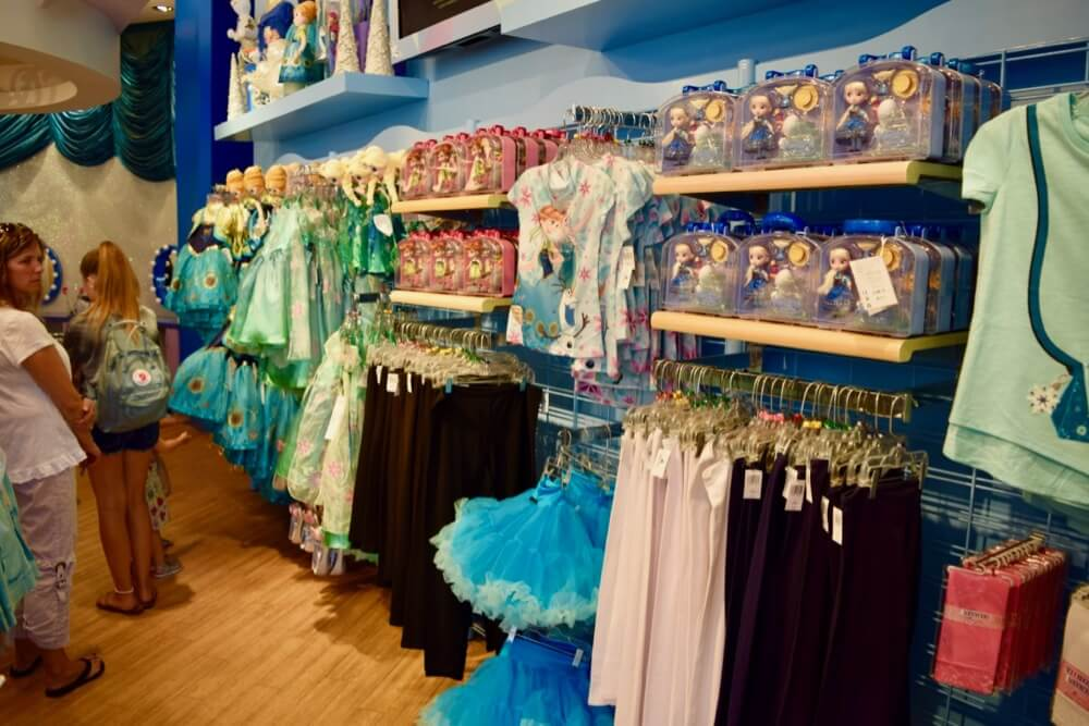 Guide To Downtown Disney at Disneyland - Anna & Elsa's Boutique