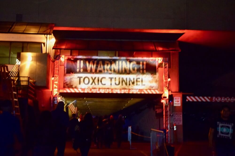 Guide to Halloween Horror Nights Hollywood 2017 Toxic Tunnel