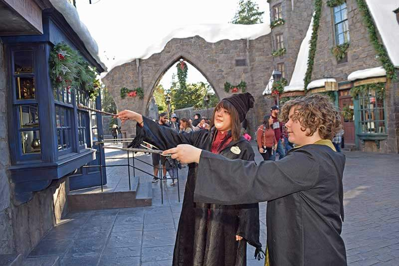 Wizarding World Wands - Casting a Spell