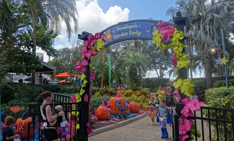 SeaWorld Orlando Halloween Spooktacular - Penelope's Garden Party