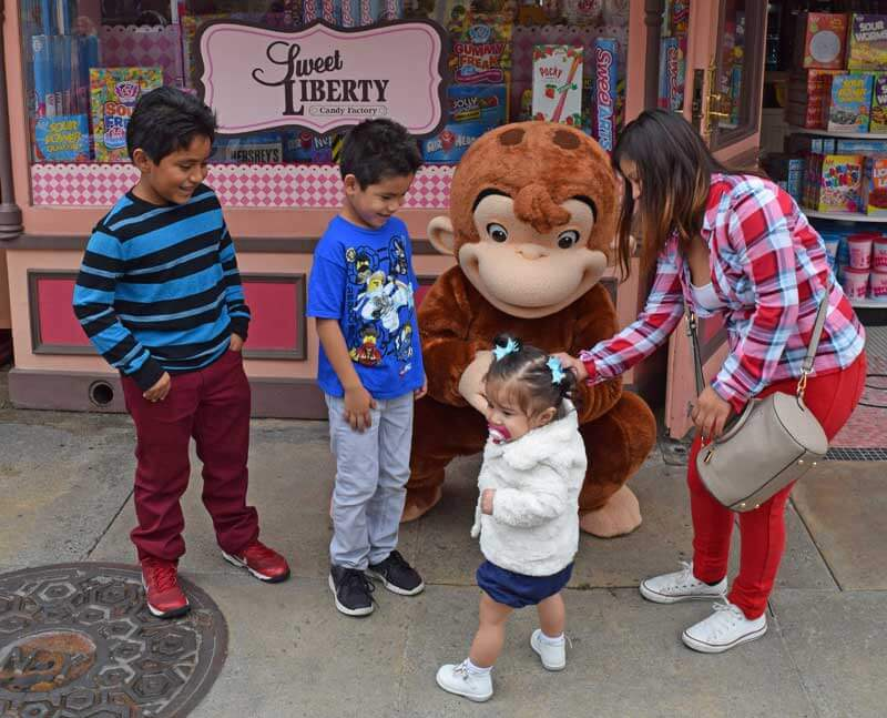 Universal Studios Hollywood Characters - Curious George
