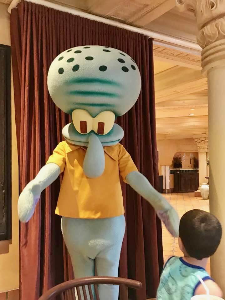 Universal's Superstar Character Breakfast- Squidward