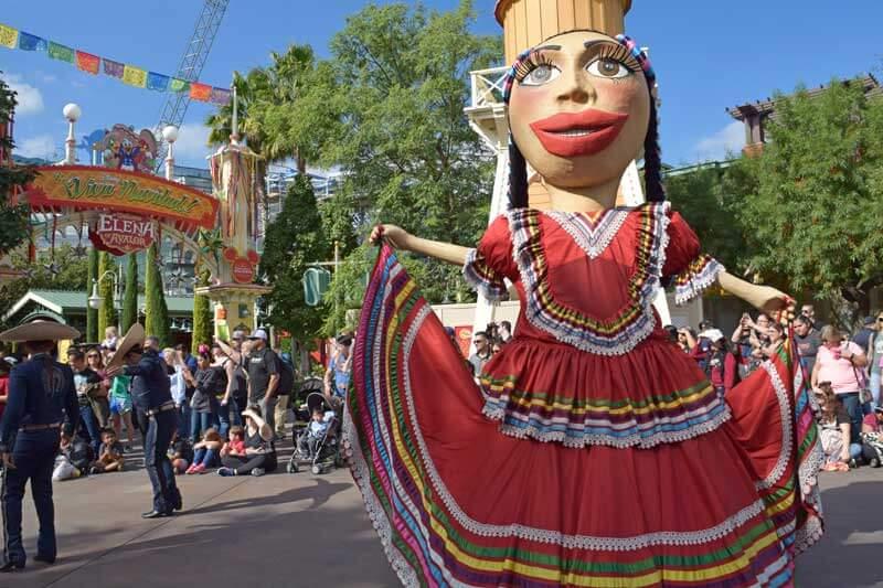 Holidays at Disneyland 2018 - Festival of Holidays at California Adventure Parade