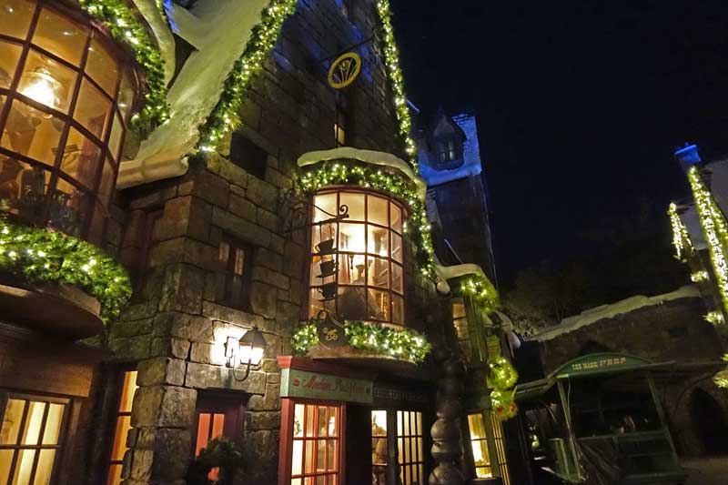 christmas in the wizarding world of harry potter holidays at universal orlando hogsmeade store
