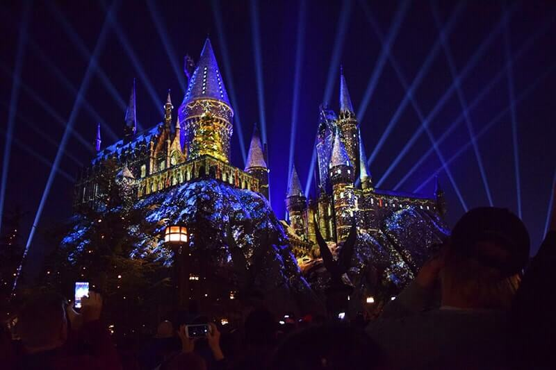 celebrate christmas in the wizarding world of harry potter during holidays at universal studios hollywood